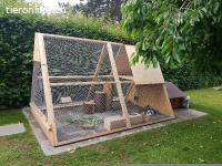massives Pyramidengehege von der Nagerstation für Kaninchen+
